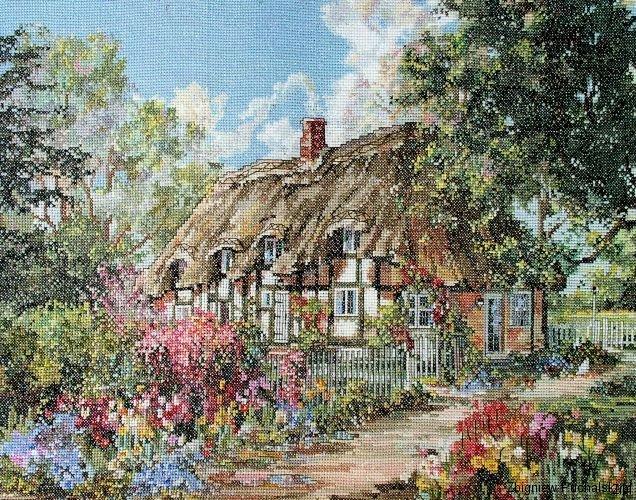 wiejska-chata-w-kwiatach